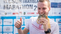 Bratislavský maratón vyhral starý známy, medzi ženami sa tešila Slovenka