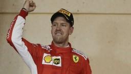 Vettel porazil Bottasa o desatiny sekundy a vyhral Bahrajn