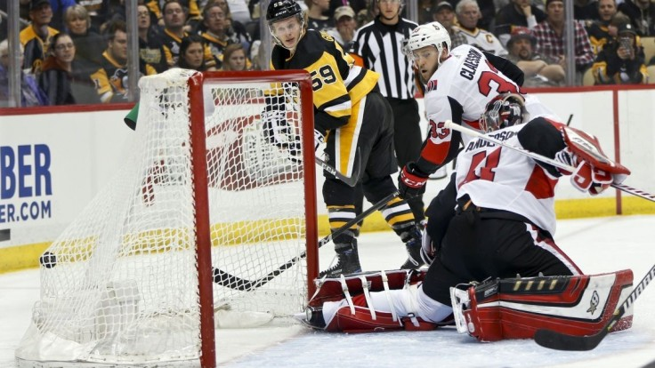 NHL: Program vyraďovacej časti je známy, odštartujú tri série