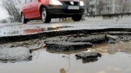 Cesty sú v kritickom stave, župy nemajú financie na ich opravu