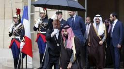 Saudskoarabský princ navštívil Paríž, niektorí Francúzi ho privítali s protestami