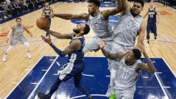 NBA: Minnesota ako posledná do play-off, Westbrook s triple double