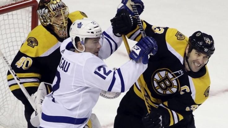 NHL: Boston zdolal Toronto, k triumfu prispel asistenciou aj Chára