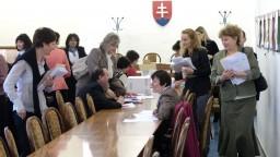 Odborári pritlačili na vládu, aby schválila valorizáciu učiteľských platov