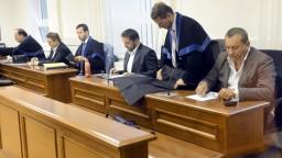 Majského odsúdení komplici sa vyhýbajú nástupu na výkon trestu