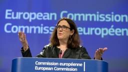 Americké clá narúšajú svetový obchod, tvrdí eurokomisárka