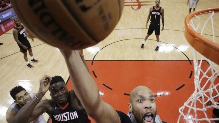 NBA: Houston vyhral aj druhý zápas, Cleveland a Utah vyrovnali