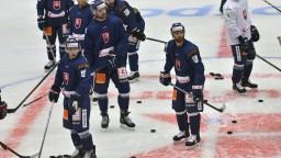 Hokejová osemnástka odštartovala na majstrovstvách prehrou