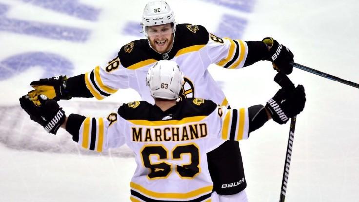 NHL: Chára získal pluská pri triumfe Bruins, Capitals vyrovnali sériu