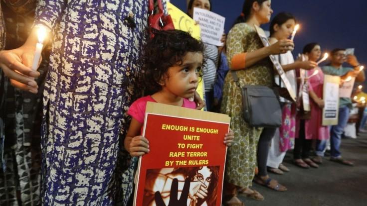 Znásilnenie dieťaťa sa bude trestať smrťou, rozhodla indická vláda