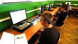 Lubyová hovorila o kritizovanom projekte, ktorý pripojí školy na internet