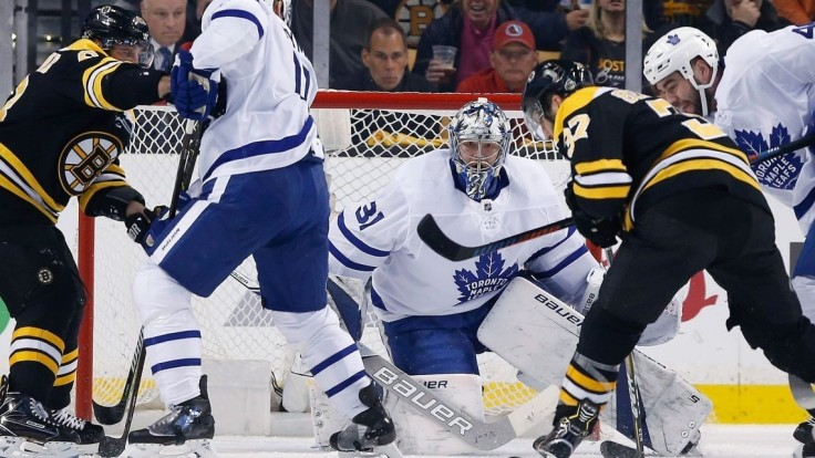 NHL: Chárov Boston podľahol Torontu, do 2. kola play-off postúpila Tampa