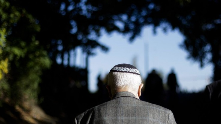 Nenoste tradičnú pokrývku hlavy, radia Židom v Nemecku
