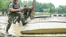 Slovenskí vojaci smerujú do Pobaltia ako súčasť stratégie NATO