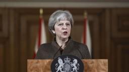 Prekážka pre Mayovú, Snemovňa lordov nedala jej vláde väčšie právomoci