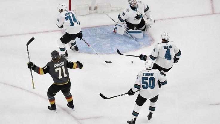 NHL: V úvode kola kanonáda Vegas proti San Jose, Tatar nehral