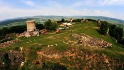 Aktivisti odkryli časť známeho hradu, o ktorej sa storočia nevedelo