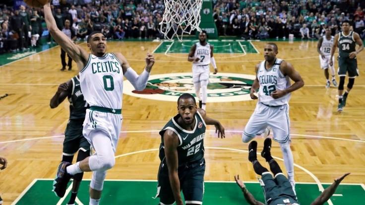 NBA: Celtics porazili Milwaukee, postúpili do konferenčného semifinále