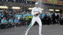 V Azerbajdžane po dráme triumfoval Hamilton: Mal som aj šťastie