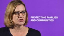Po škandále okolo ilegálnych migrantov odstúpila britská ministerka