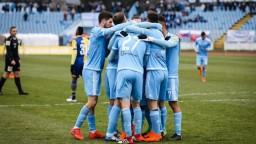 O trofej Slovnaft Cupu zabojujú skúsení Slovanisti s Liptákmi