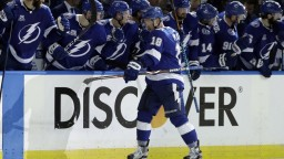 NHL: Chára získal plusový bod, Tamba Bay vyrovnala stav série