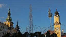 Mesto zrekonštruovalo dominantu námestia, má prilákať turistov
