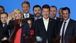 Le Penová hostila lídrov krajnej pravice, Okamura varoval pred odnárodnením