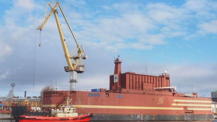 Na more vyplávala prvá mobilná jadrová elektráreň