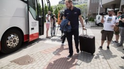 Hokejisti odleteli na MS, Graňák by mal patriť k lídrom