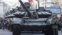 Najviac financií dávajú do armády USA, ruské investície klesli