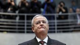 V kauze emisného škandálu Volkswagenu obvinili bývalého šéfa