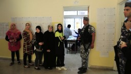 Libanončania si po rokoch volia nový parlament. Na priebeh dozerá polícia