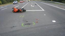 Smrteľná nehoda na Seneckej ceste: Mladý motocyklista zrážku neprežil