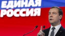 Putin chce za premiéra Medvedeva, má podporu parlamentu