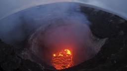 Sopka Kilauea už zničila vyše 30 domov, ohrozuje stovky ďalších