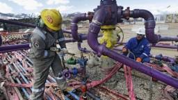 Ropa je opäť drahšia, na vine je napätie medzi USA a Iránom