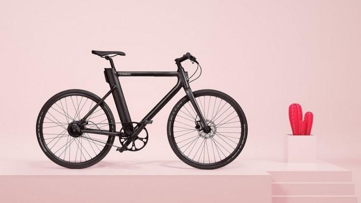 Elektrický bicykel s inteligentnou asistenciou šliapania do pedálov