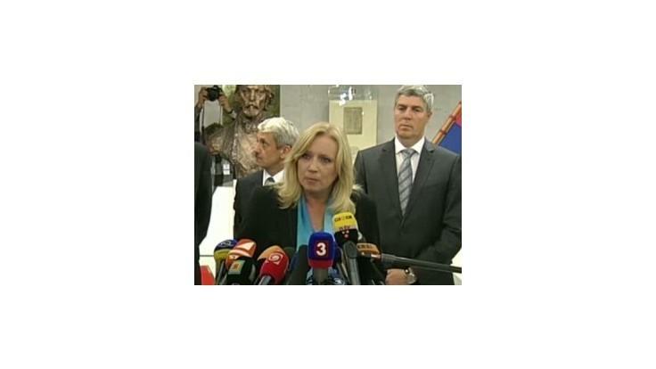 I. Radičová vyzvala Sulíka, aby bol chlap a odstúpil aj s ministrami