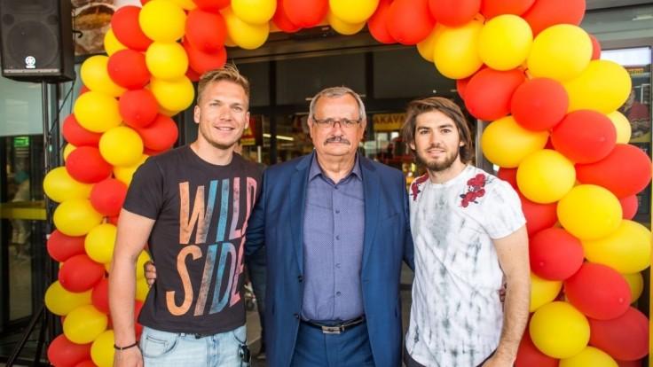 Ambasádori čerstvosti Adam Žampa a Andreas Žampa otvorili novú predajňu BILLA na východe Slovenska