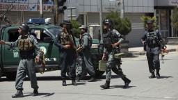 Atentátnici v Kábule útočili na policajné stanice, hlásia mŕtvych