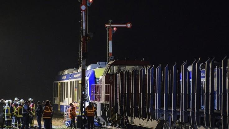 Zistili príčinu zrážky vlakov, zodpovedný je mladý výpravca z Nemecka