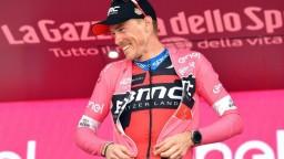 Dennis znova v ružovom, piatu etapu vyhral Battaglin