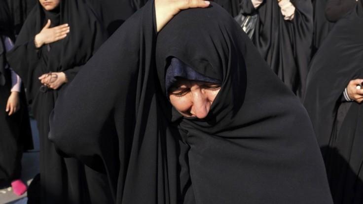 S moslimskou šatkou na hlave vyučovať nesmiete, rozhodol súd