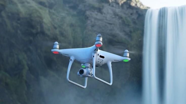 Dron Phantom 4 Pro 2.0 sa chystá tichučko preháňať vo vzduchu