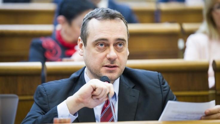 SaS chce zrušiť trestný čin a rozviazať vyšetrovateľom ruky
