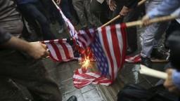 USA uvalili voči Iránu prvé sankcie po odstúpení od jadrovej dohody