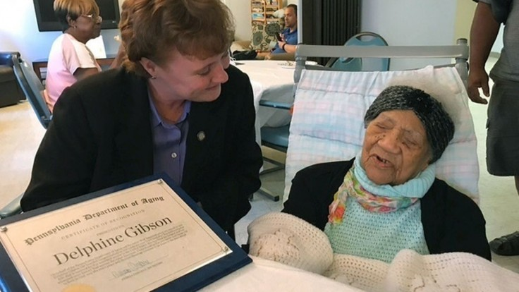 Zomrela najstaršia žena USA, mala tri recepty na dlhovekosť