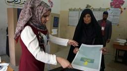 Iračania si volia parlament po novom, hlasy prídu cez satelit