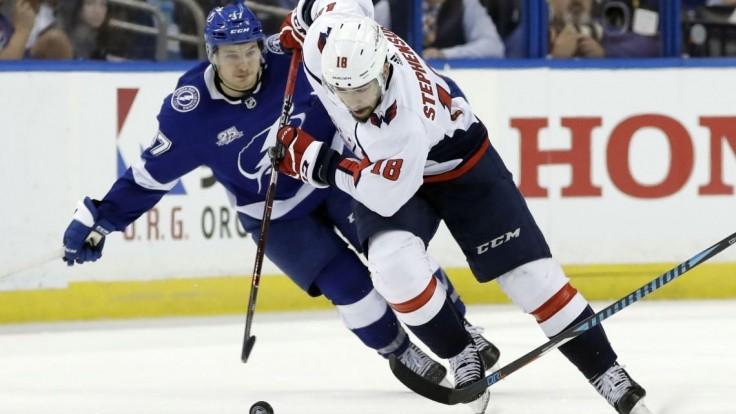 NHL: V prvom finálovom zápase dominoval Washington, bodoval Ovečkin